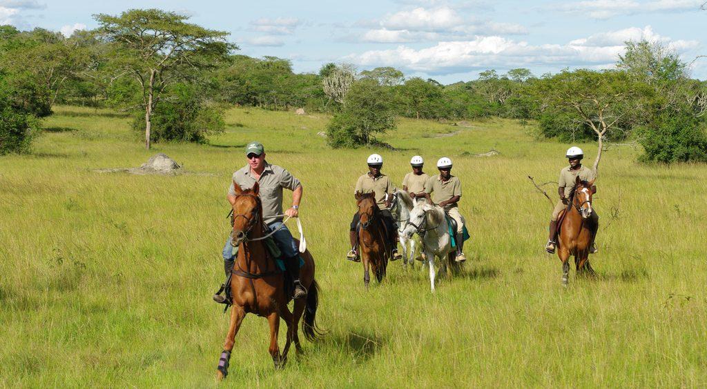 2 days horseback riding in Lake Mburo