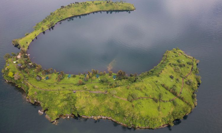 2 Days Tchegera Island